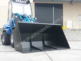 MULTIONE 8.4S TWO SPEED MINI LOADER - picture15' - Click to enlarge