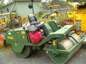 lockwood 3000 cricket pitch roller V2 petrol