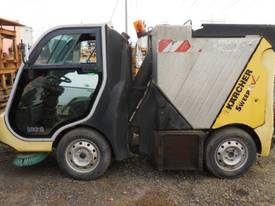 KARCHER 1CC12 SELF PROPELLED RIDE ON SWEEPER - picture0' - Click to enlarge