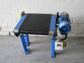 Small Motorised Conveyor - 0.5m long - picture0' - Click to enlarge