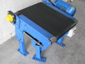 Small Motorised Conveyor - 0.5m long - picture2' - Click to enlarge