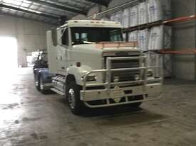 Freightliner FL112 Primemover Truck - picture2' - Click to enlarge