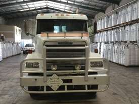 Freightliner FL112 Primemover Truck - picture3' - Click to enlarge