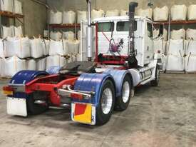 Freightliner FL112 Primemover Truck - picture9' - Click to enlarge