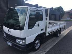 E2000 MAZDA TRUCK 2DR 3 SEATS 5SP MAN PETROL - picture0' - Click to enlarge