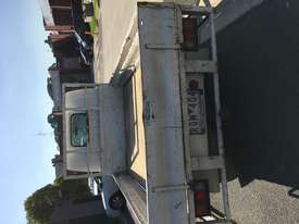 E2000 MAZDA TRUCK 2DR 3 SEATS 5SP MAN PETROL - picture2' - Click to enlarge