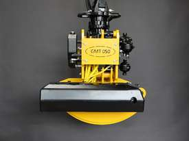 GMT050 felling grapple saw for 8+ ton excavators - picture5' - Click to enlarge
