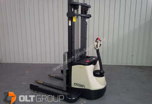 Crown SX3030 Walkie Stacker Wide Straddle Legs