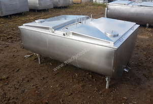 STAINLESS STEEL TANK, MILK VAT 1100 LT