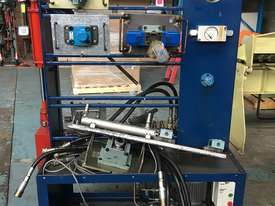 Hydraulic Test Bench Training Unit portable on cabinet - picture0' - Click to enlarge