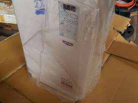 Toshiba Transistor Inverter - picture1' - Click to enlarge