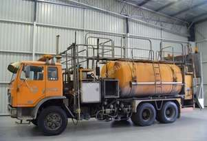 International Acco 2250D Cab chassis Truck