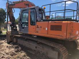 Hitachi ZX270 Tracked-Excav Excavator - picture2' - Click to enlarge