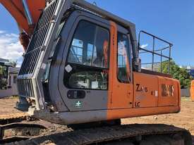 Hitachi ZX270 Tracked-Excav Excavator - picture4' - Click to enlarge