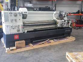 Puma 1500mm BC   510mm swing gap bed lathe Incl Digital Readout - picture1' - Click to enlarge