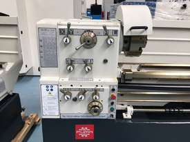 Puma 1500mm BC   510mm swing gap bed lathe Incl Digital Readout - picture3' - Click to enlarge