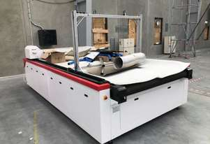 LOT 3 OF 17: GOLDENLASER CJGV-160200LD LASER CUTTER