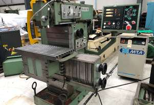TOS FNGJ 32 Universal Milling Machine - Including arbors, acessories and manuals