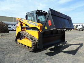 Excellent Condition Mustang Skid Steer. Only 53 Hours On The Clock! + Attachments. - picture4' - Click to enlarge
