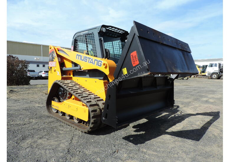 Excellent Condition Mustang Skid Steer Only 53 Hours On The Clock  Attachments