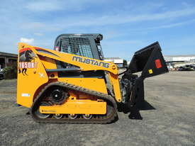 Excellent Condition Mustang Skid Steer. Only 53 Hours On The Clock! + Attachments. - picture5' - Click to enlarge
