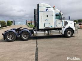 2011 Freightliner Coronado - picture8' - Click to enlarge