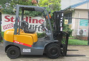 2.5 ton TCM Container Mast Used Forklift