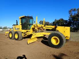 2011 Komatsu GD825A-2 Grader - picture1' - Click to enlarge