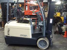 Electric Forklift Crown 1.8 Ton Container Mast 4.8 Lift Only $$$8500  - picture0' - Click to enlarge