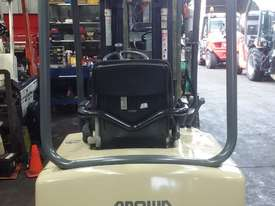 Electric Forklift Crown 1.8 Ton Container Mast 4.8 Lift Only $$$8500  - picture1' - Click to enlarge