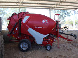Welger RP445 Round Baler Hay/Forage Equip - picture1' - Click to enlarge