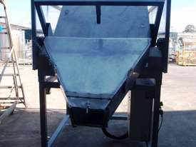 IBC Tilting Platform, Capacity: 650kg - picture1' - Click to enlarge