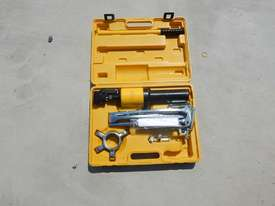 Ashita HHL-10 10 Ton Hydraulic Gear Puller - picture0' - Click to enlarge