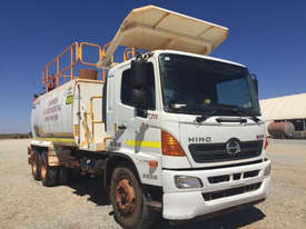 2012 Hino FM 2627-500 Series Water truck Truck - picture0' - Click to enlarge