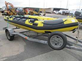 Global Force Marine Gemini Inflatable - picture1' - Click to enlarge