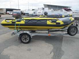 Global Force Marine Gemini Inflatable - picture2' - Click to enlarge