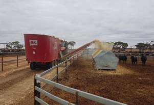 BvL V-Mix 34 - The Longer Lasting Feed Mixer Wagon