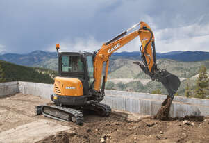 CASE C-SERIES MINI-EXCAVATORS CX37C