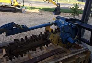 TRENCHER WITH 900 X 100MM COMBO CHAIN* SOLD*
