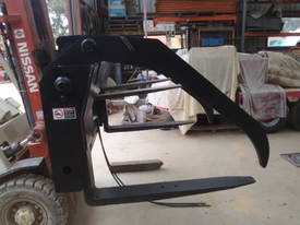 Telehandler Log Grab / Grapple GT53 - picture10' - Click to enlarge