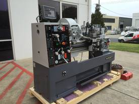 ASSET-1640TR - Heavy Weight 1600Kg 2 Axis DRO - picture8' - Click to enlarge