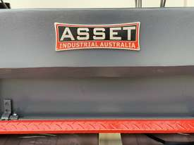 ASSET-1640TR - Toolroom Quality Heavy Weight 1600Kg 2 Axis DRO - picture3' - Click to enlarge