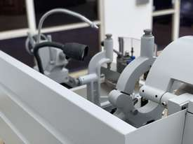 ASSET-1640TR - Toolroom Quality Heavy Weight 1600Kg 2 Axis DRO - picture7' - Click to enlarge