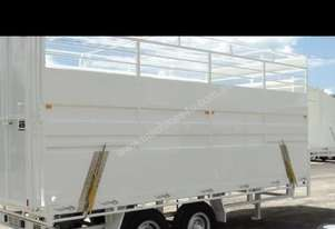 2014 MCNEILL 7.3 CATTLE TRAILER WITH DOG BOX AT FR
