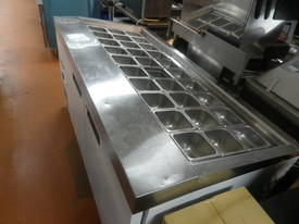 Williams refrigerated preparation counter - picture1' - Click to enlarge