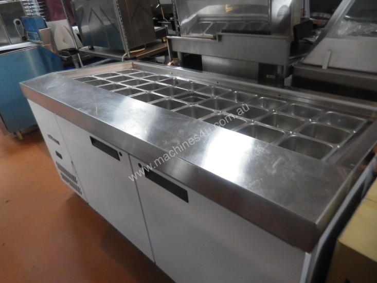 Williams refrigerated preparation counter