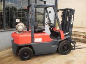 Nissan JO2 2.5 tonne container forklift - picture0' - Click to enlarge