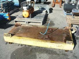 MACHINERY SKID BASE FUEL TANK/250LITRES - picture1' - Click to enlarge