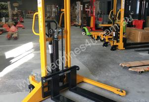 JIALIFT 1.0T Straddle Leg Manual Stacker/Lifter Li