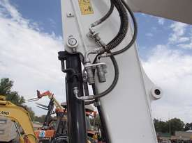 Bobcat E85 Excavator - picture8' - Click to enlarge